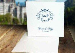 Hochzeitskarten aus handgeschöpftem Büttenpapier mit Hochzeitslogo-Druck