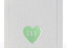 elegante Hochzeitskarte mit Prägung und einem Fenster in Herzform, Hochzeitskarten elegant