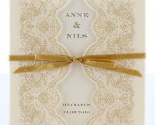 quadratische Klappkarte aus cremefarbenem Edelkarton, Hochzeitskarten Luxus