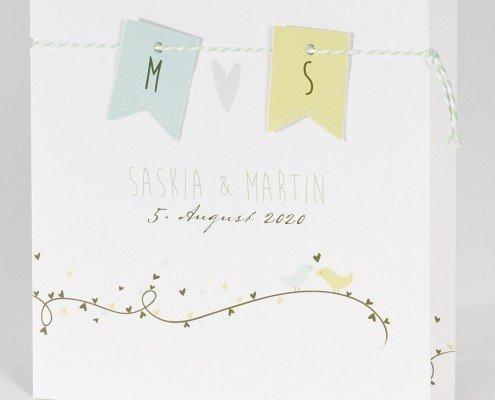 Einladungskarte mit Wimpeln und Kordel, Hochzeitspapeterie Düsseldorf