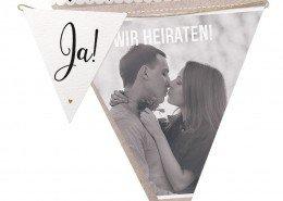 Einladungskarte aus Wimpeln mit persönlichem Foto Hochzeitskarten individuell gestalten
