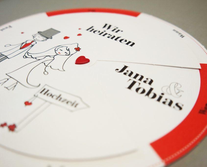 außergewöhnliche Hochzeitskarte – ein Glücksrad der Liebe, moments die hochzeitspapeterie