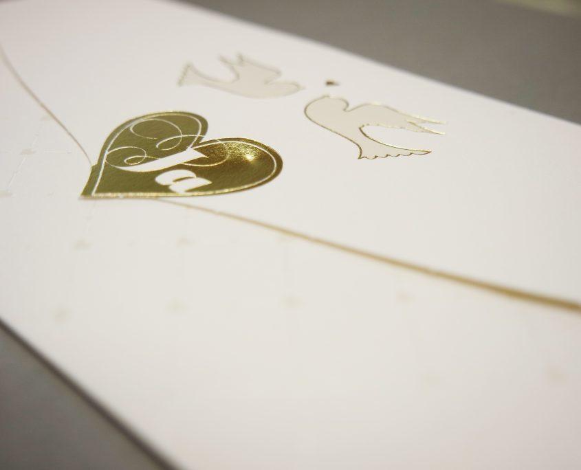 """Hochzeitskarten """"Turteltauben"""", Kuvert mit goldenem Herz, hochzeitskarten gold"""