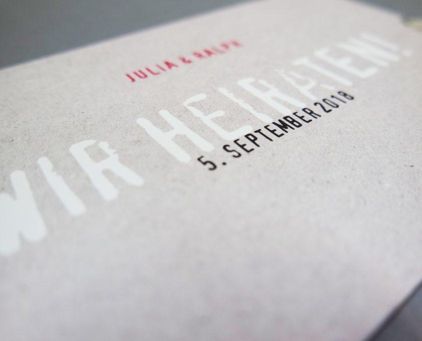 Hochzeitseinladung in schlichtem, klaren Industriedesign, hochzeitspapeterie modern
