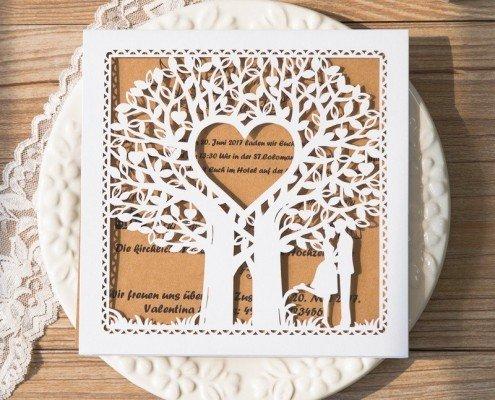 schöne, quadratische Hochzeitskarte, Baum-Herz, Lasercut, Hochzeitskarten Laserschnitt