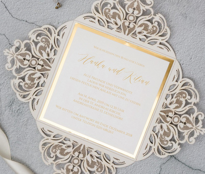 Lasercut, Hochzeitskarte mit Golddruck und schwungvoller Handschrift