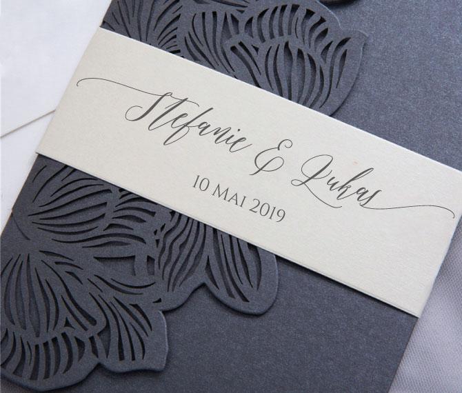 elegante Hochzeitskarte mit Banderole, Lasercut, hochzeitspapeterie floral