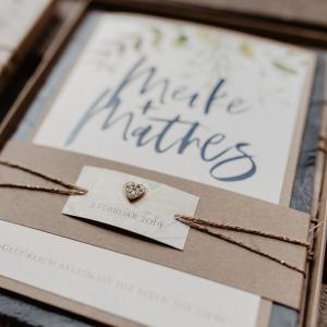 Hochzeitseinladung, Vintage, Kraftpapier, Pflanzenmuster