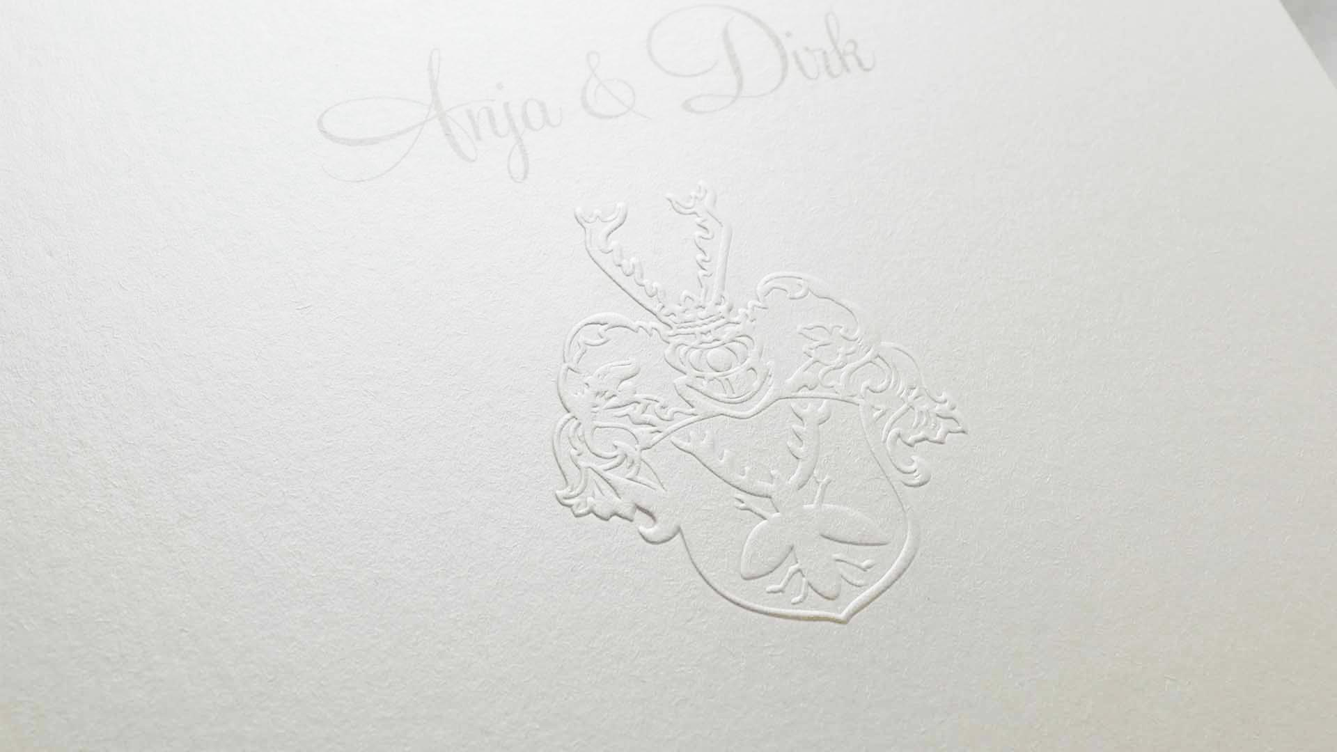 edle Hochzeitskarten mit Prägung. Druckerei für Einladungskarten zur Hochzeit.