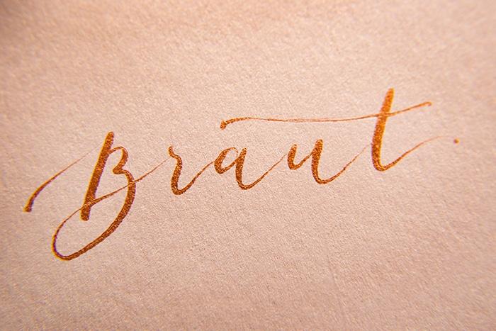 kalligraphie hochzeit braut